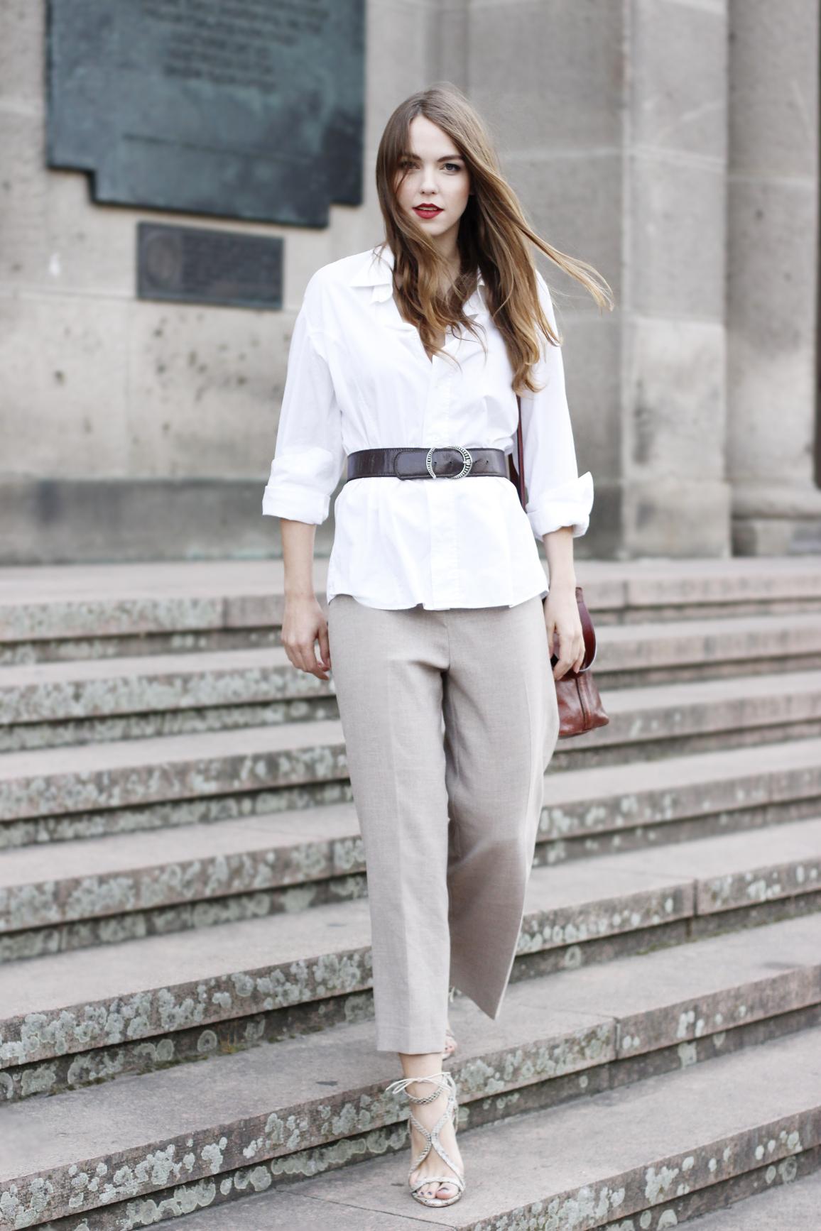 Weite Hose mit weißer Bluse und High Heels, H&M Hose