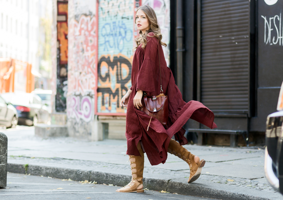 Fashionweek Berlin Streetstyle, mbfw , The Styleograph, rotes langes Kleid