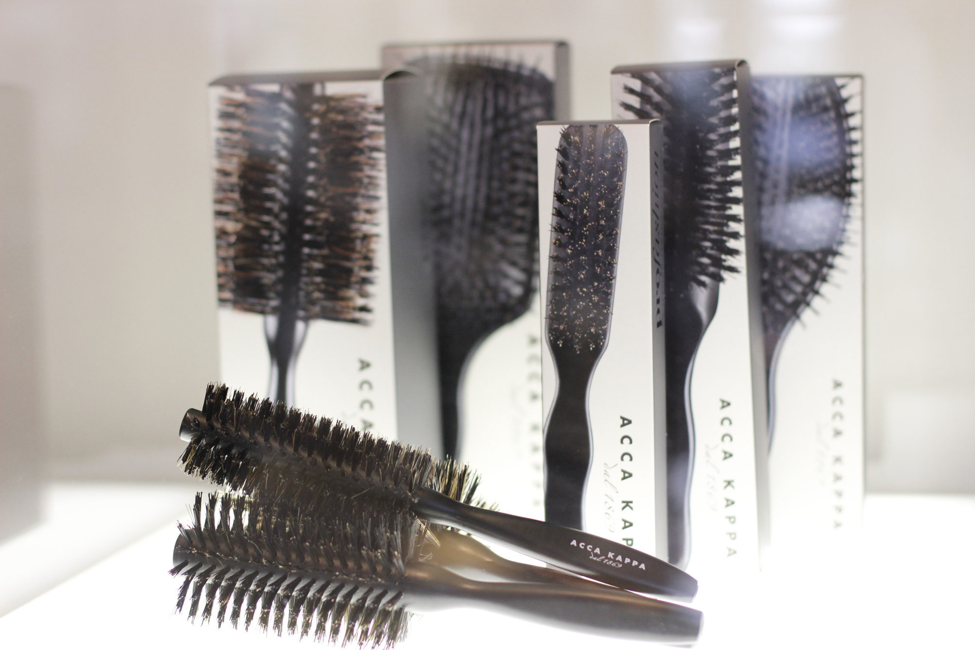 Acca Kappa Hairbrushes / Andre Märtens Friseur